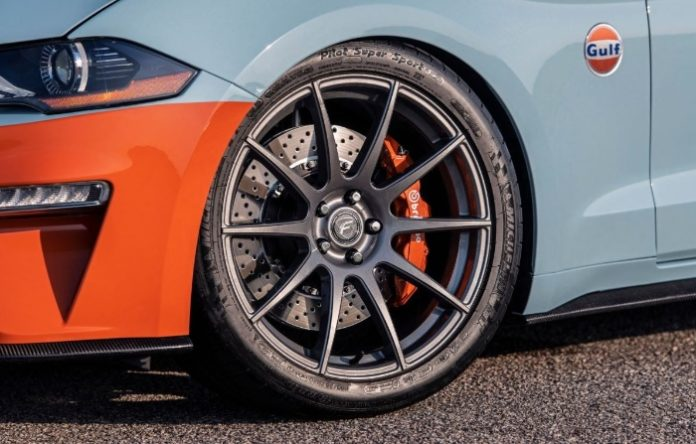 2019 Ford Mustang Gulf Heritage Edition -wheel and badge